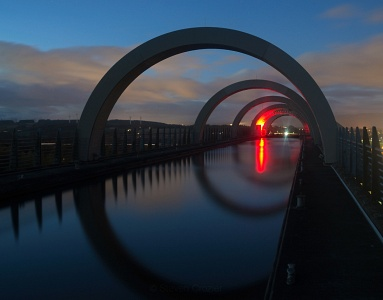 Falkirk wheel at dusk