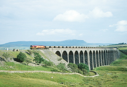 66xxx Ribblehead Aug02s